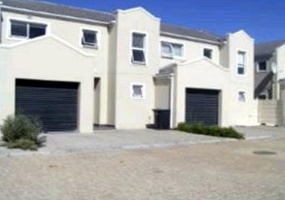 Ottery, Western Cape 7800, 3 Bedrooms Bedrooms, ,3 BathroomsBathrooms,Townhouse / Cluster,For Sale,2613