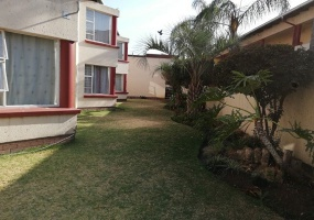 Gauteng 1500, 2 Bedrooms Bedrooms, ,1 BathroomBathrooms,Flat / Apartment,For Sale,3145